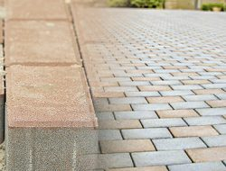 Тротуарна плитка цегла ціна