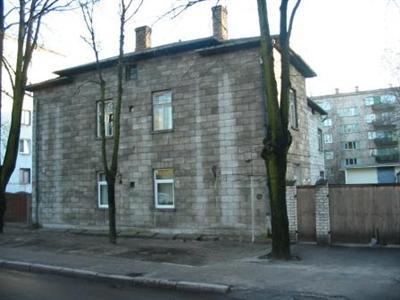 Старий будинок з газобетонних блоків